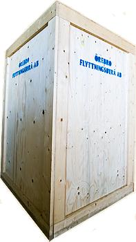 Låda för transport av kristallkronor